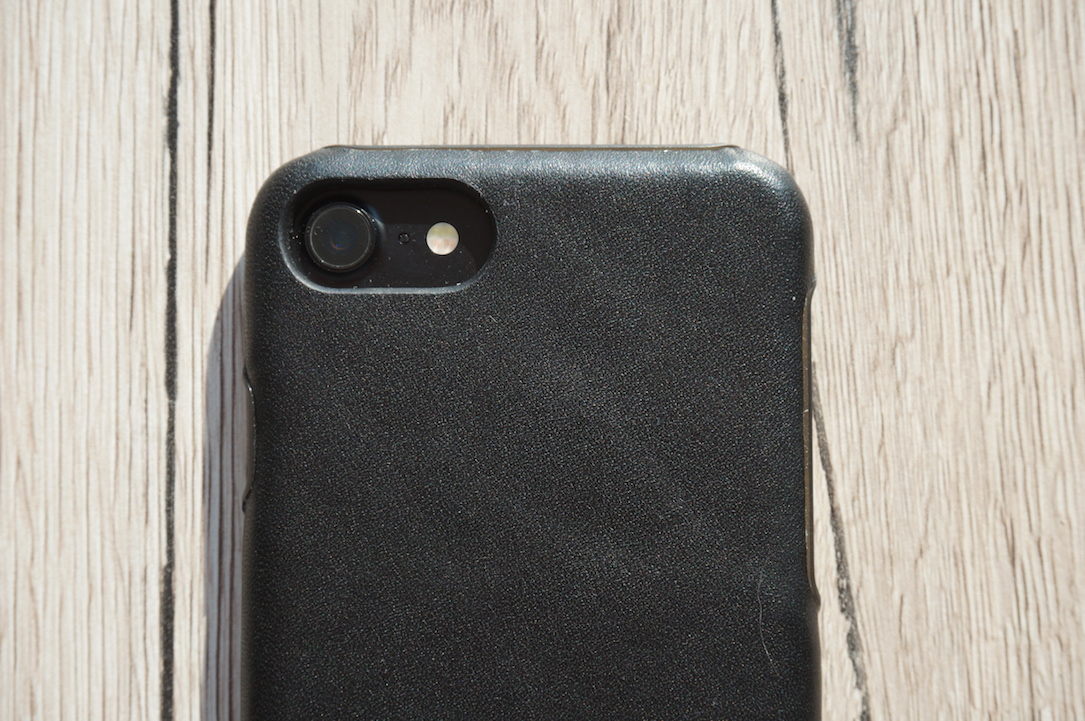 mujjo-iphone-7-leather-case-test4
