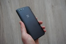 OnePlus 5 Header Unboxing2