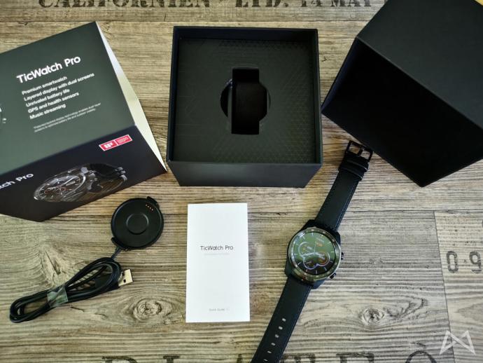 Ticwatch Pro Lieferumfang