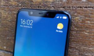 Xiaomi Mi 8 Display 1