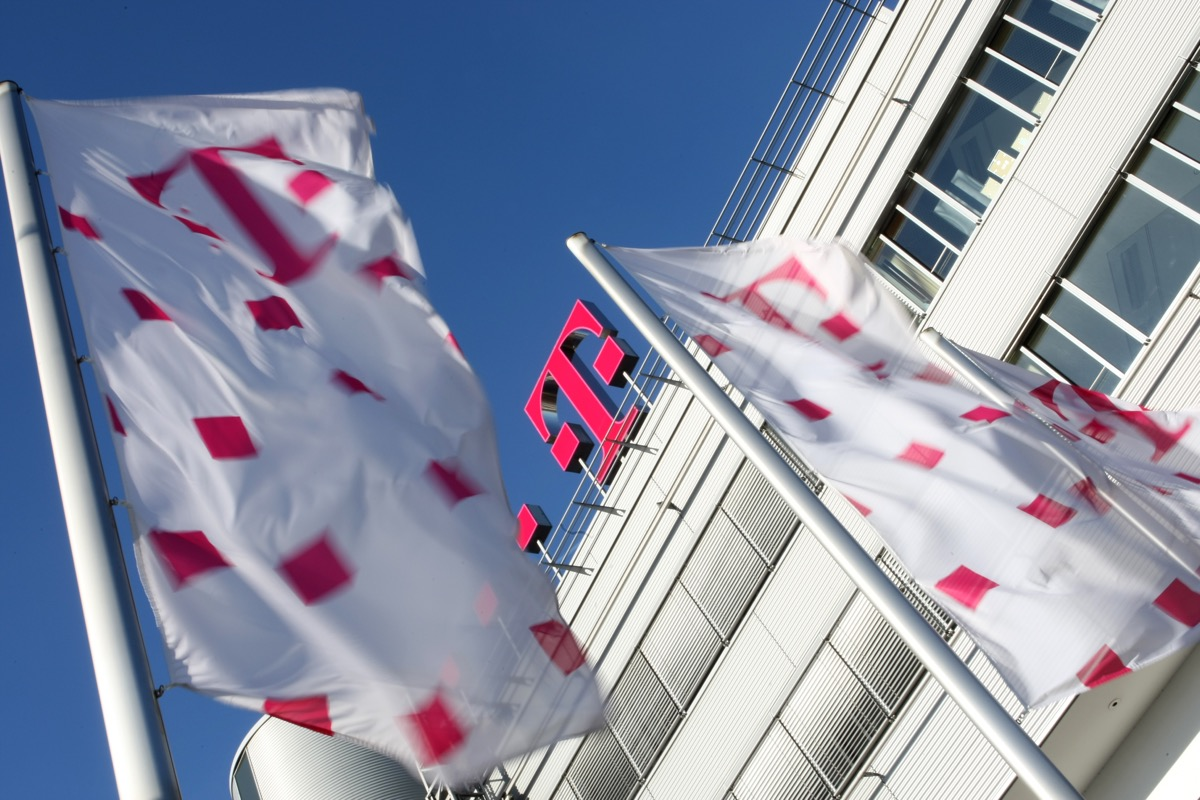 Deutsche Telekom Logo Header
