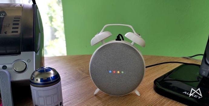 Google Home Mini Retro Wecker