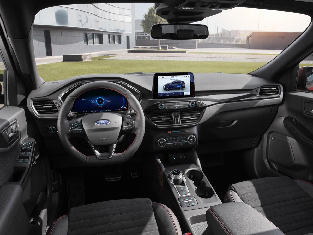 2019 Ford Kuga Cockpit Low