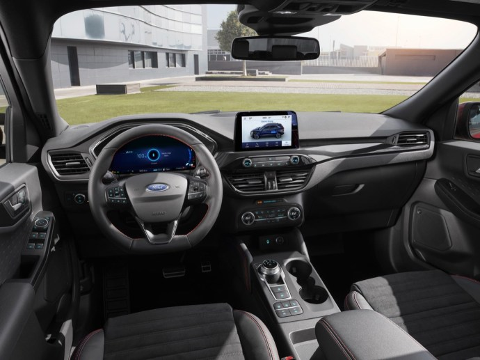 2019 Ford Kuga Cockpit Low