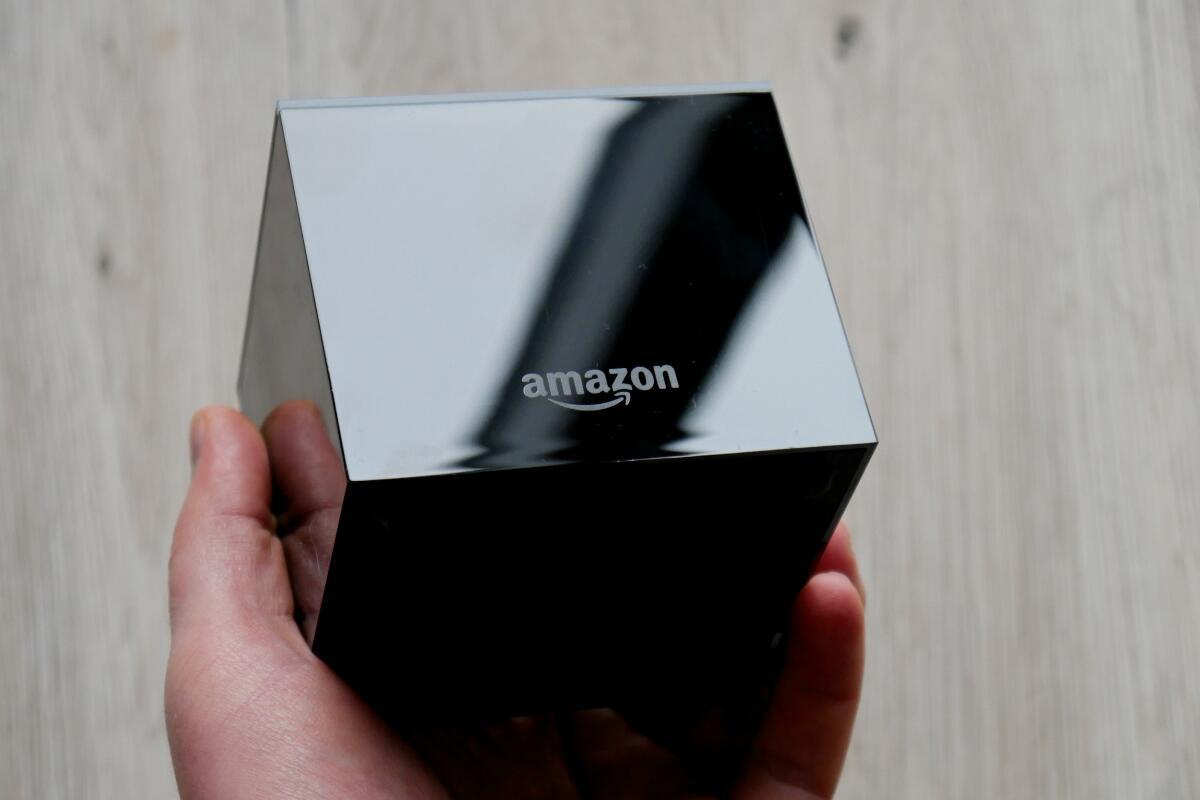 Amazon Fire Tv Cube Hand