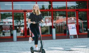 E Scooter Mieten Bei Mediamarkt