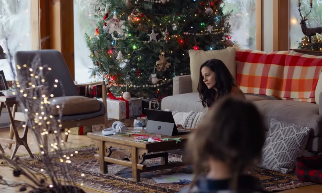 Microsoft Holiday 2019 Clip