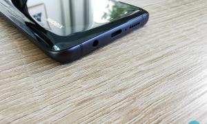 Xiaomi Note 10 Unterseite Usb Mikrofon Lautsprecher