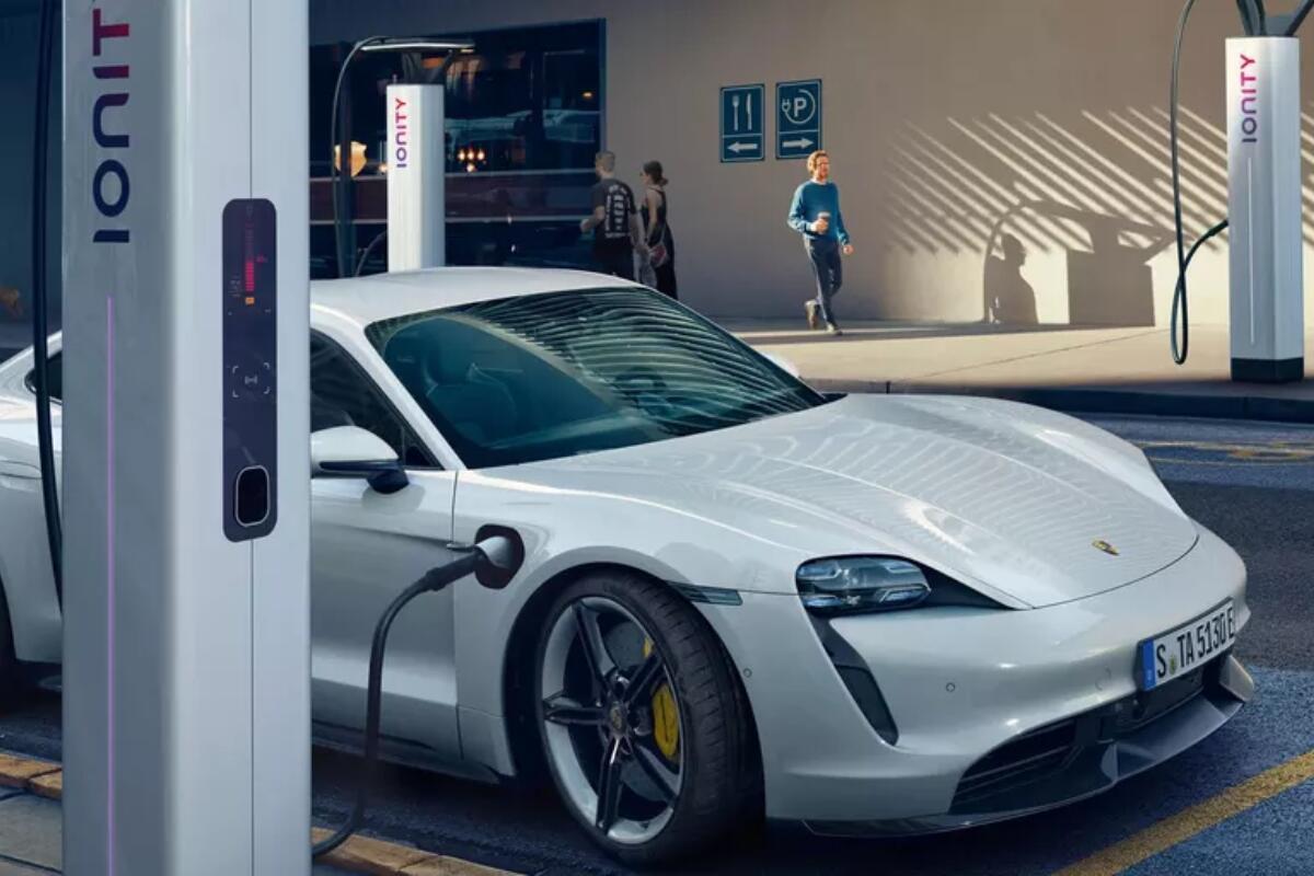 Porsche Taycan Laden
