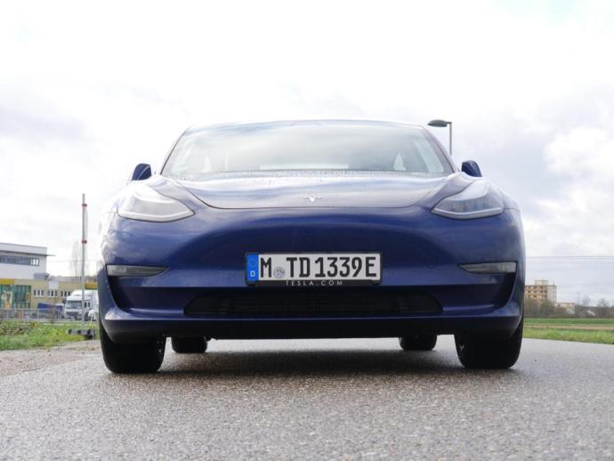 Tesla Model 3 Test13