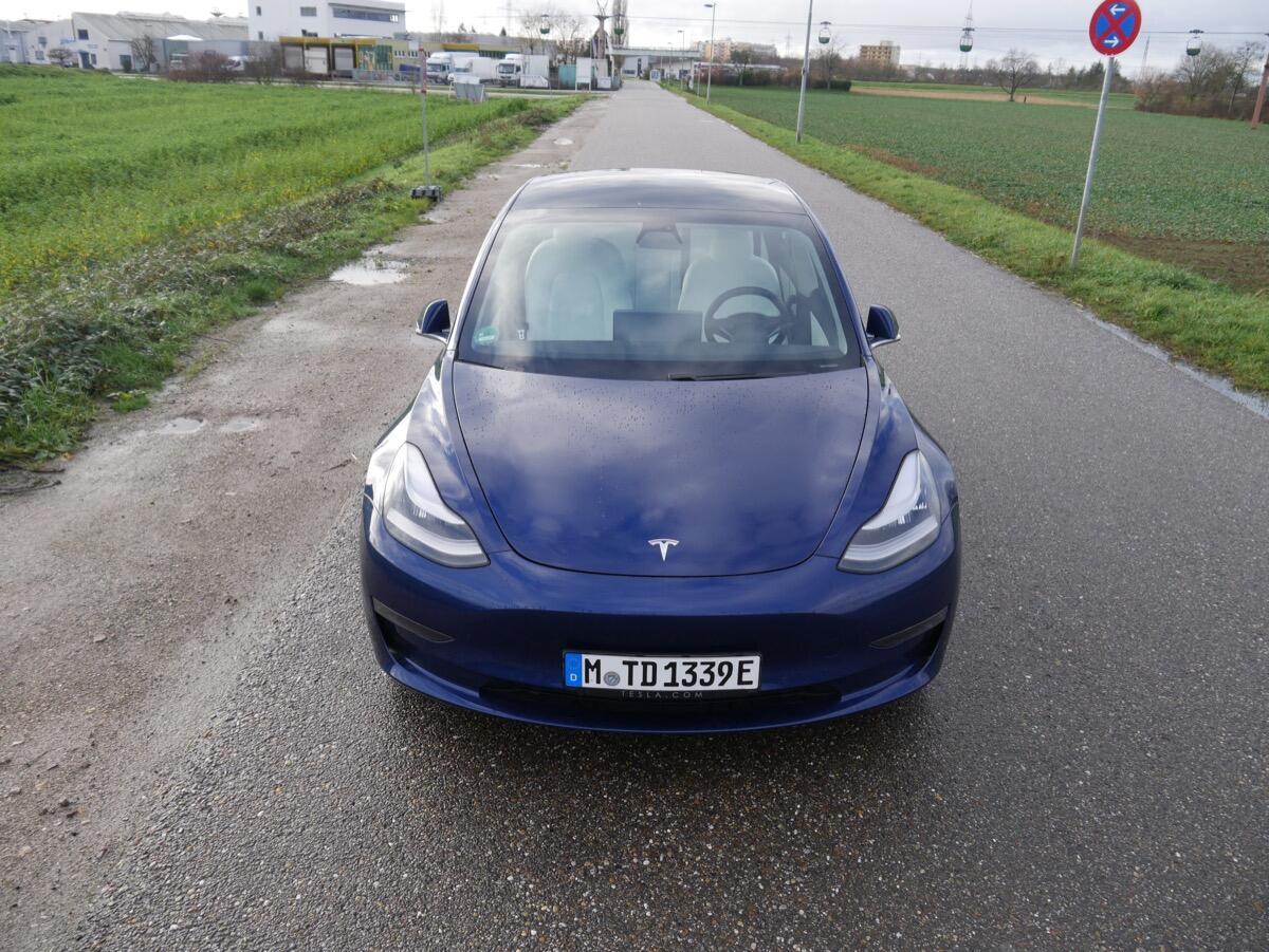 Tesla Model 3 Test2