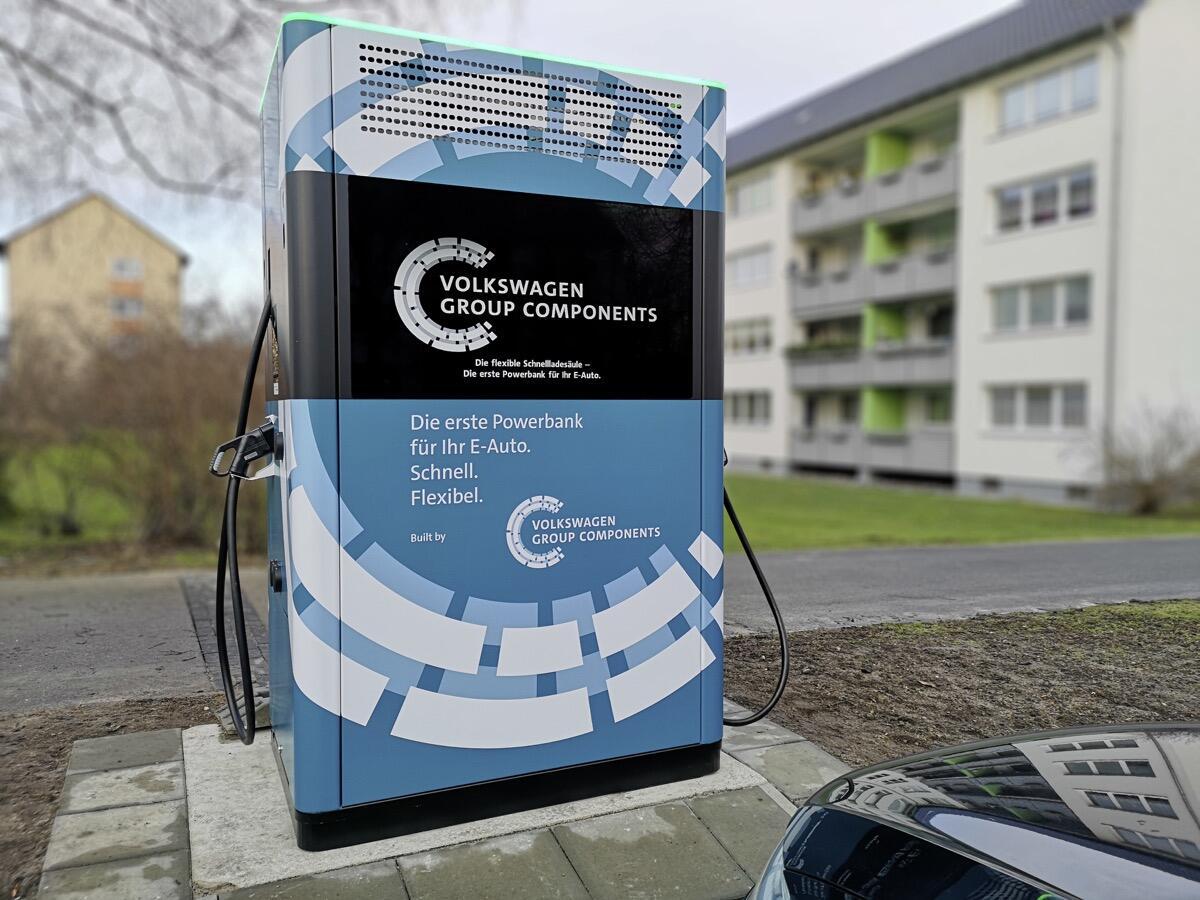 Pilotprojekt Gestartet: Schnelllades‰ulen In Wolfsburg Aufgeste
