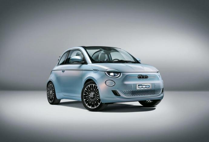 Fiat 500 Elektro Hellblau