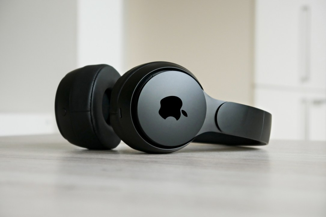 Apple Beats Headphone Header