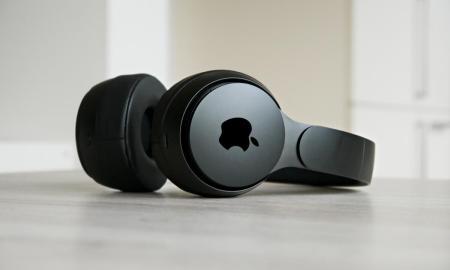 Apple Beats Headphone Header