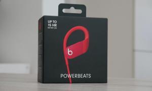 Apple Powerbeats 4 Box