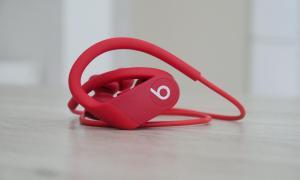 Apple Powerbeats 4 Header