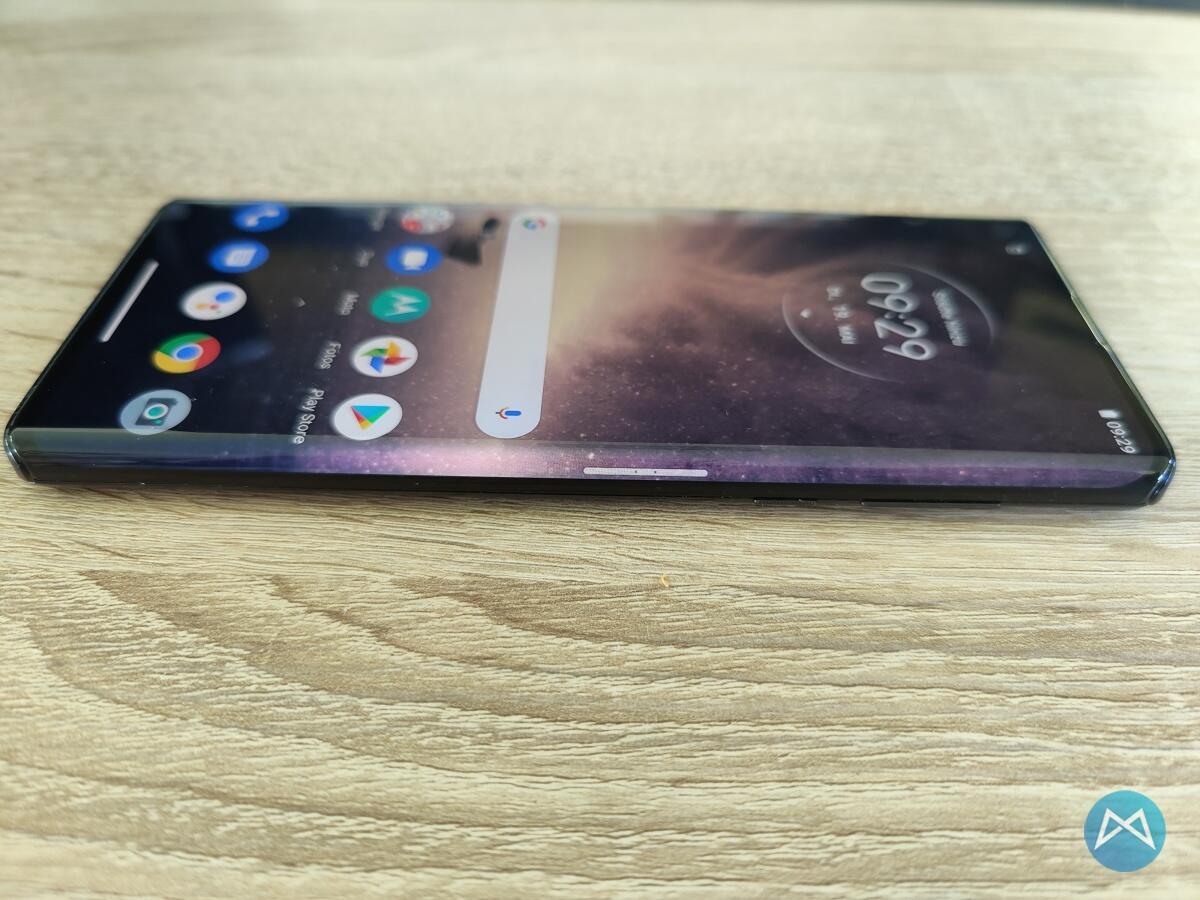 Motorola Edge Seitlicher Viruteller Button