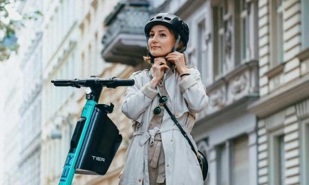 Tier Escooter Helm