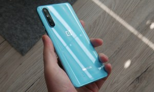 Oneplus Nord Hand