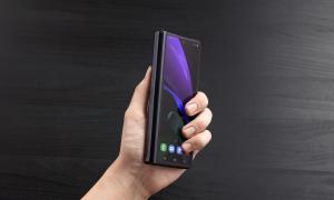 Samsung Galaxy Z Fold 2 Schwarz4