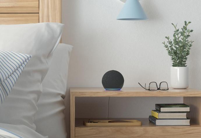 Amazon Echo Dot 4 Bett