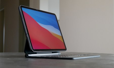 Apple Ipad Pro 2020 Magic Keyboard Tisch