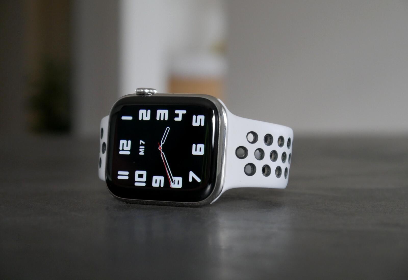 Apple Watch Series 6 Clean