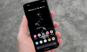 Google Pixel 5 Front Dark