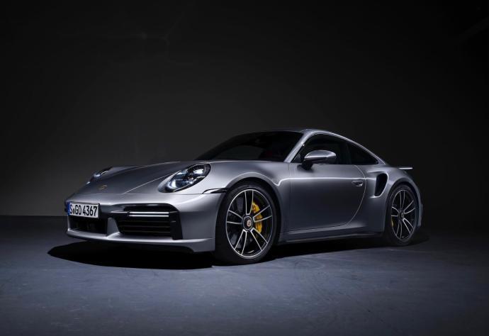 Porsche 911 2020 Header