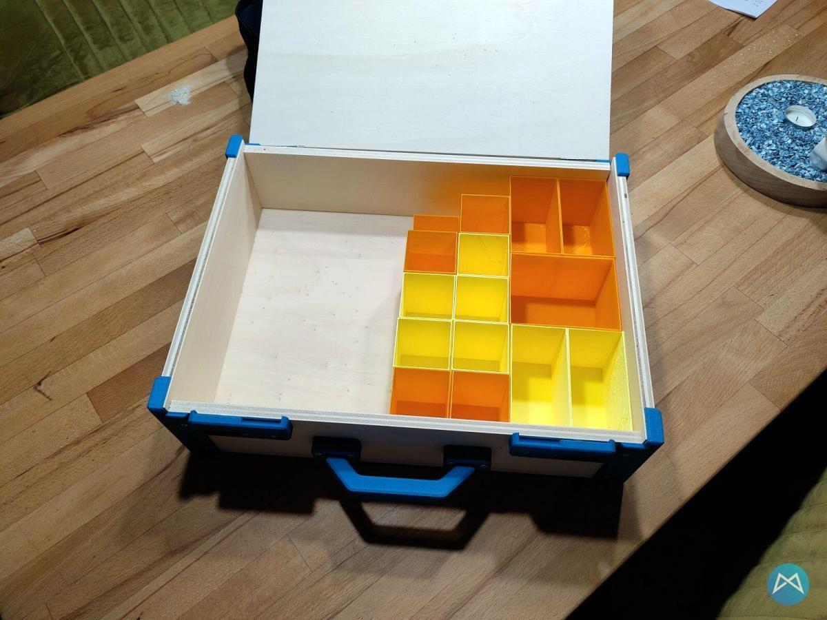A.c. Box Mit Plastik Innenaufteilung Aus Dem 3d Drucker
