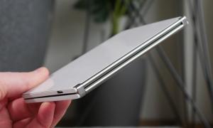 Microsoft Surface Duo Scharnier