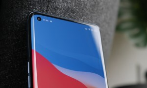 Oppo Find X3 Pro Display Loch