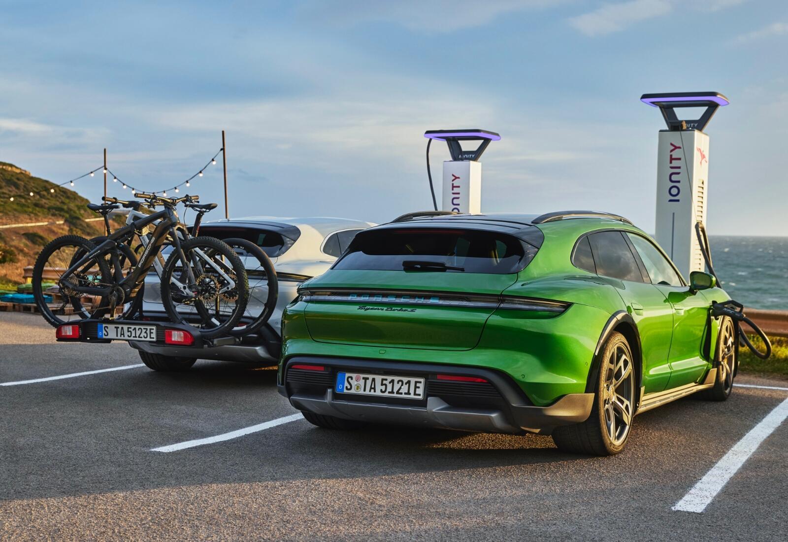 Porsche Taycan Cross Turismo Bike