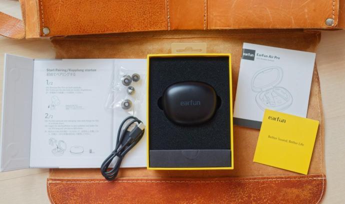 Earfun Air Pro Packaging 2