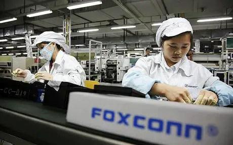 Foxconn-Plant-Line