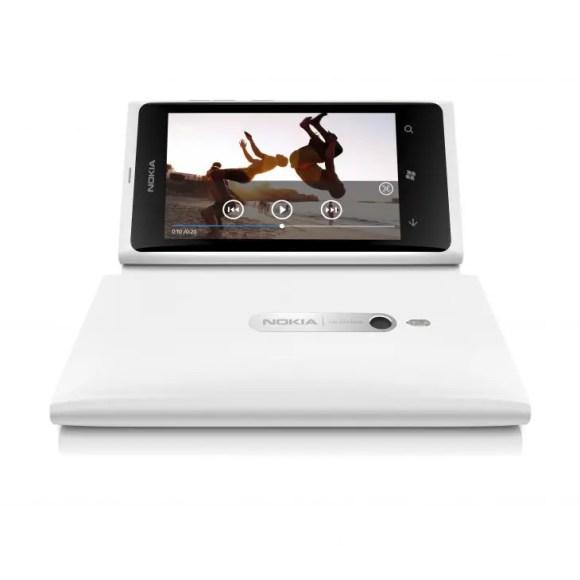 Lumia-800-white-4