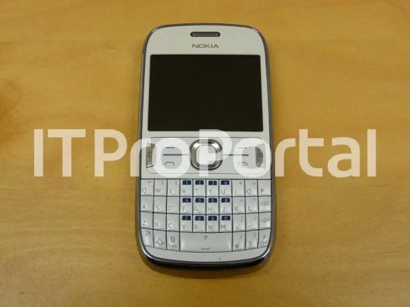 Nokia-302-leaked-1