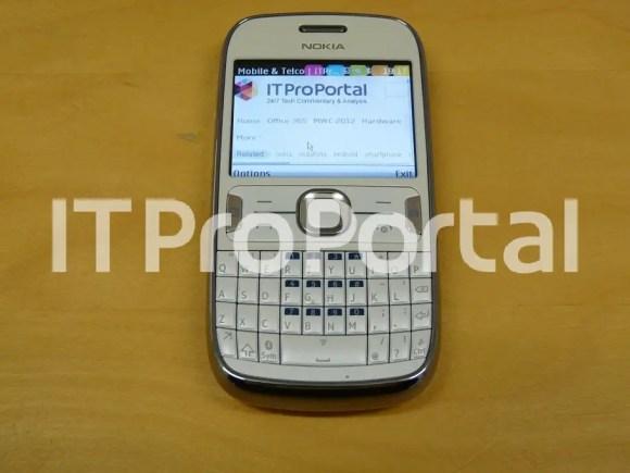 Nokia-302-leaked-6