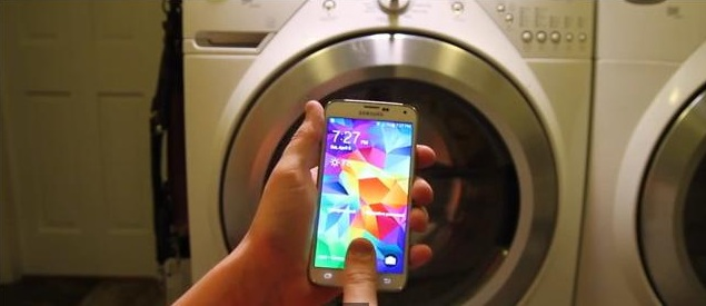 Samsung-Galaxy-S5-washing-machine-2