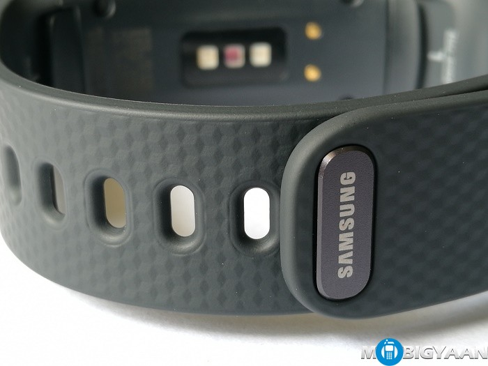 Samsung-Gear-Fit2-Hands-on-Images-Review-7