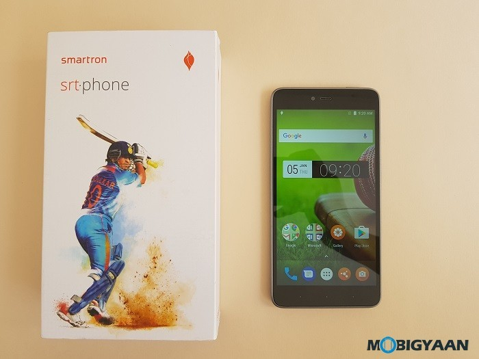 Sachin-Tendulkar-Smartron-srt.phone-hands-on-review-images-4