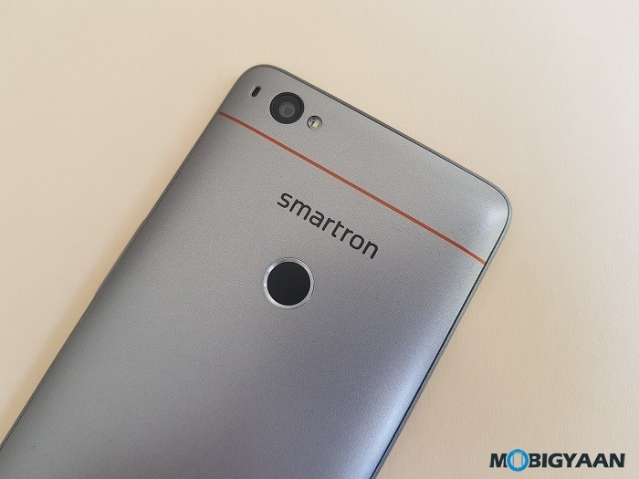 Sachin-Tendulkar-Smartron-srt.phone-hands-on-review-images-9