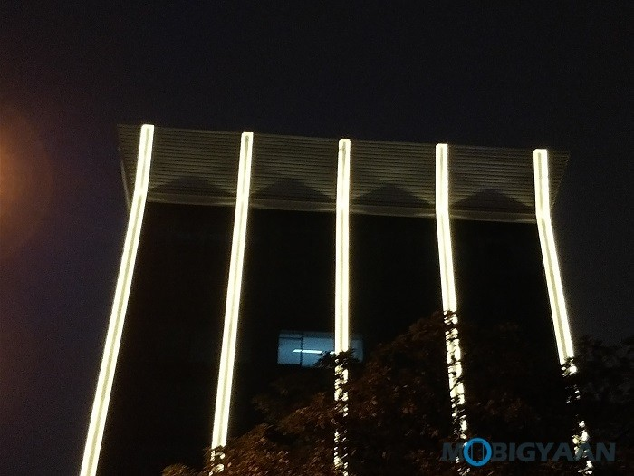 oneplus-5-review-camera-samples-night-8-2x-zoom