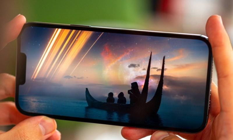 شاشة iPhone 13 Pro Max تحتل المركز الأول في DxOMark