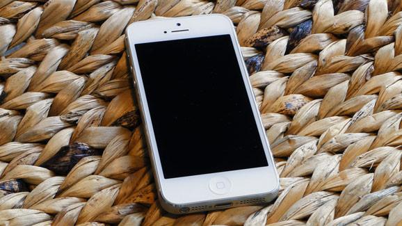the latest 41beb 5ffc1 Applen jo ikoniksi muodostunut iPhone siirtyi kuudenteen sukupolveen, kun  yhtiö toi syyskuussa myyntiin iPhone 5 n. Se on monellakin tapaa erittäin  ...