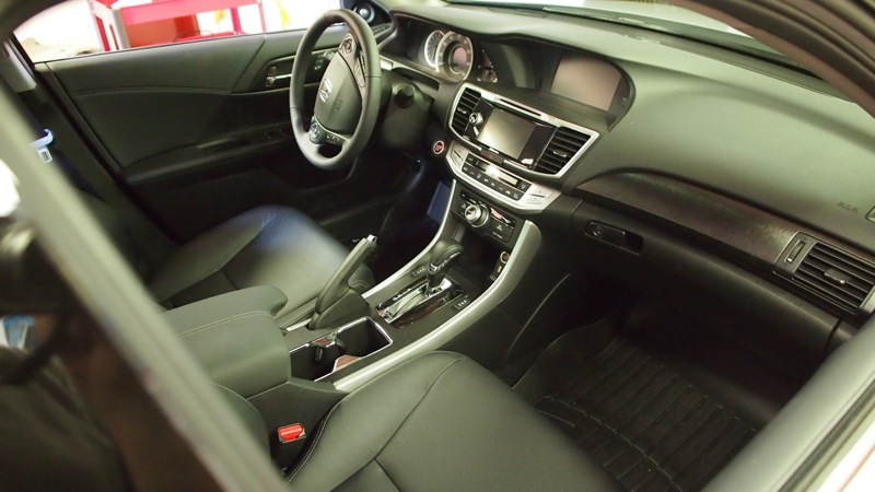 Honda Accord Audio System: Ready to Rock But Looking Stock!