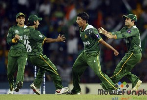 pakistan-vs-Australia-T20-World-cup-2012-Raza-Hassan