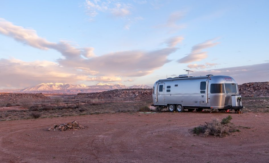 A movable manufactured home on wheels