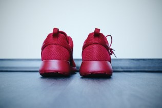 Nike Roshe One // All Red by Foot Locker